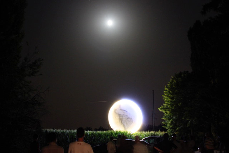 Umberto Polazzo, Even the Moon Dreams, 2012. foto: Claudio Citterio